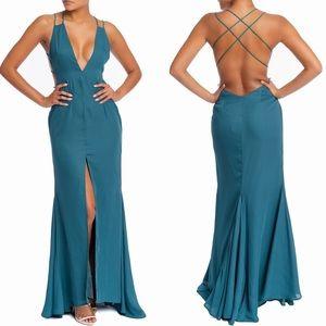 ☀️ V Plunging Strappy Maci Dress with Slit